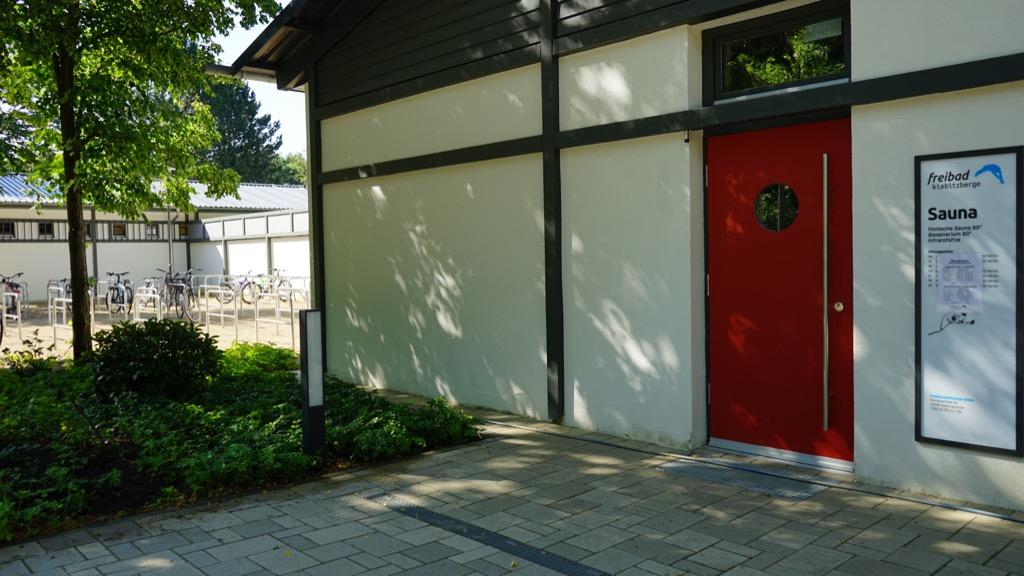 Eingang zur Sauna 1