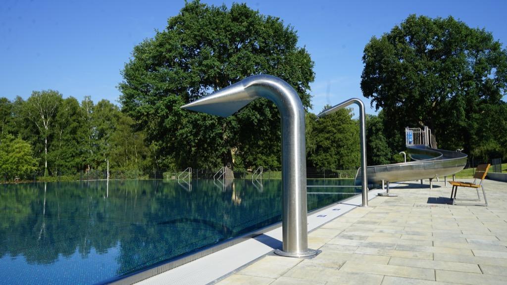 Wasserdusche im Nichtschwimmerbecken