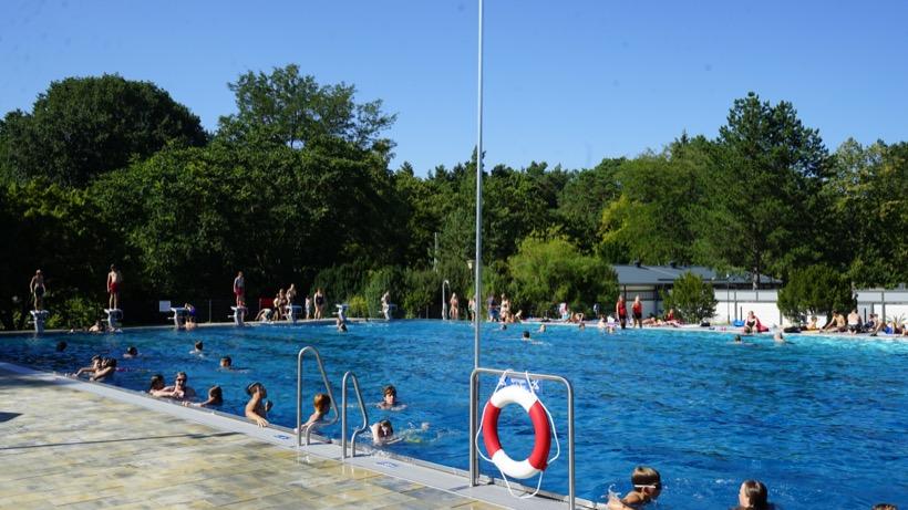 Freibad Kiebitzberge im Sommer 2018 50 Meter Sportbecken 2