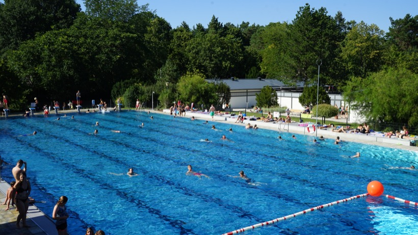 Freibad Kiebitzberge im Sommer 2018 50 Meter Sportbecken 1